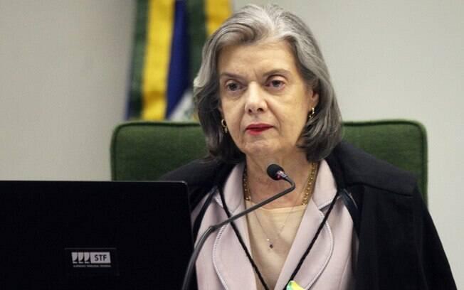 Ministra Cármen Lúcia foi a primeira a votar nesta quinta (7)