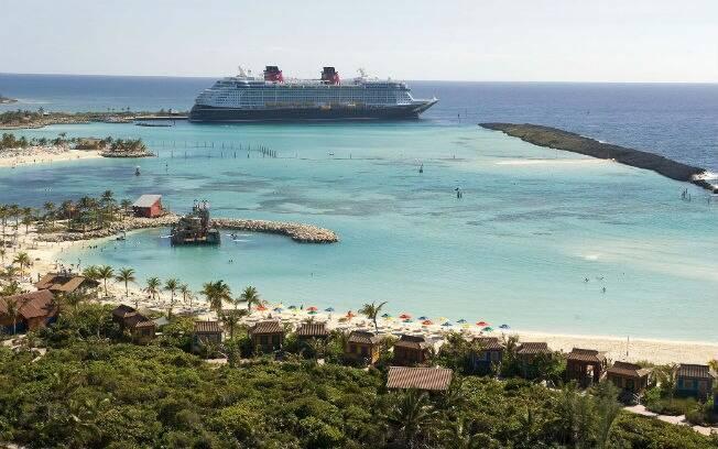 Disney Dream atraca na ilha particular Castaway Cay