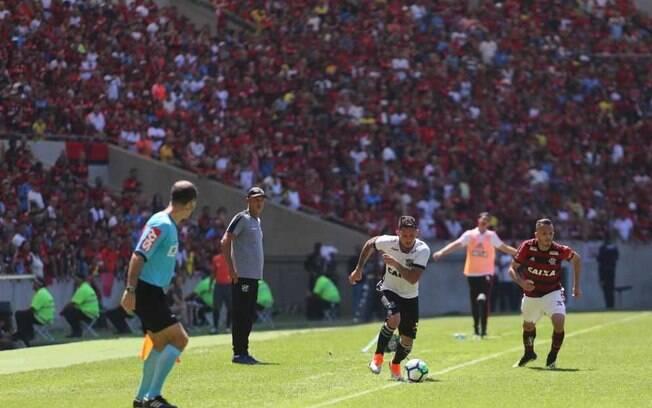 Leandro Carvalho foi o autor do gol da vitória do Ceará sobre o Flamengo