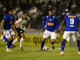 Henrique entrou titular nos quatro últimos jogos do Cruzeiro pelo Brasileiro