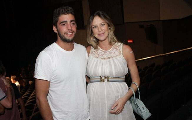 Luana Piovani e o marido, Pedro Scooby: pais pela primeira vez