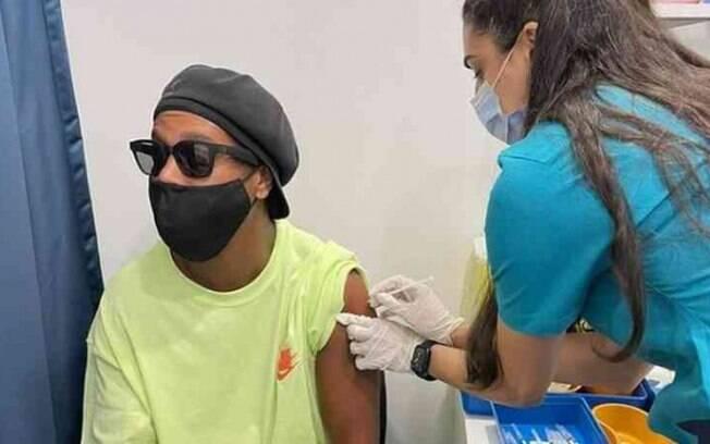 Ronaldinho Gaúcho foi vacinado em Dubai