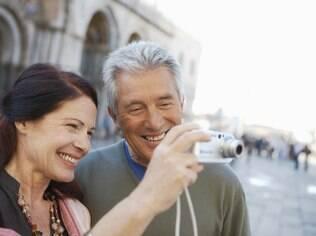 Retomar o toque e atividades que aproximem o casal pode salvar até casamentos desgastados