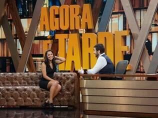 Larissa Riquelme no 'Agora É Tarde' com Rafinha Bastos