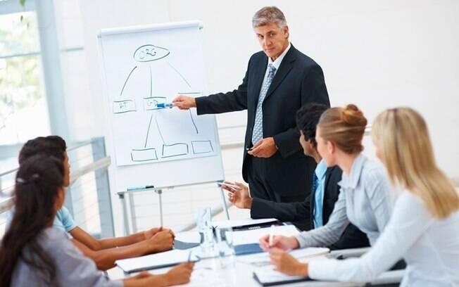 Ser um bom líder não é sinônimo de saber dar ordens e ser obedecido, o profissional precisa ser inspirador e respeitado