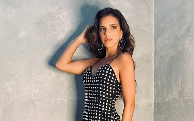 Mariana Rios negocia participação no