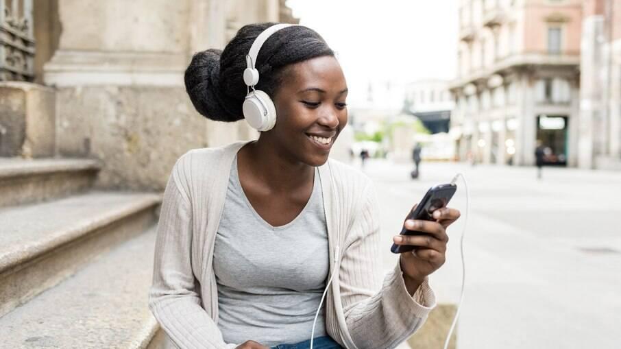 Facebook vai lançar player de podcast dentro da rede social