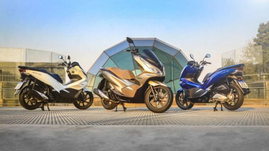 Honda PCX 2022 vai começar a chegar às concessionárias Honda a partir de setembro com novas cores