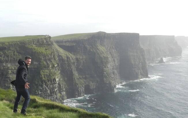 As falésias ficam a aproximadamente três horas de carro de Dublin