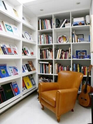 Para Verônica, organização de livros deve ser prática e harmoniosa