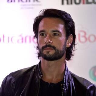 Rodrigo Santoro nega  que tenha recebido para fazer a nova novela de Manoel Carlos