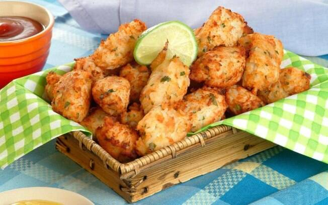 Aproveite as sobras de peixe e faça bolinhos práticos e cheios de sabor