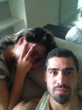 Os ex-BBBs Yuri e Laisa estão juntos em Porto Alegre