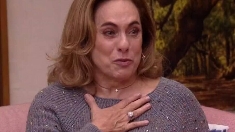 Cissa Guimarães se emociona ao lembrar Paulo José