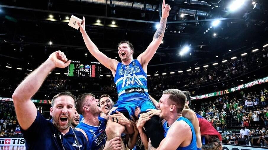 Luka Doncic é flagrado em festa clandestina durante Olimpíadas