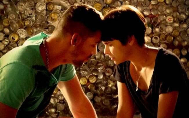 Jorginho encontra Nina no lixão e pede perdão