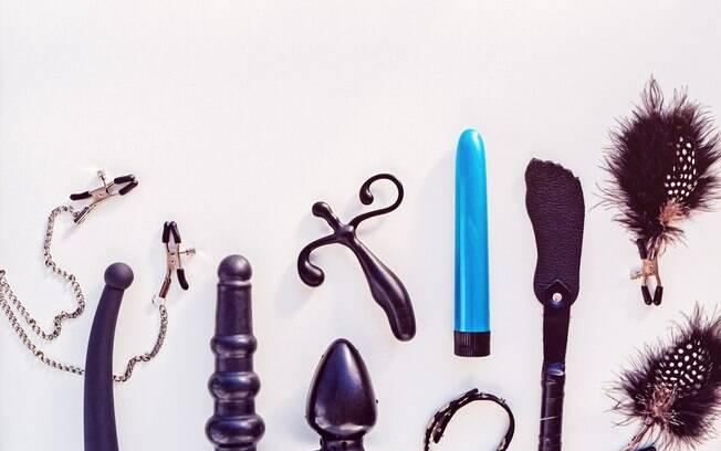 Hoje, há uma infinidade de brinquedos eróticos voltados para o prazer anal, como vários tipos de plugs e vibradores