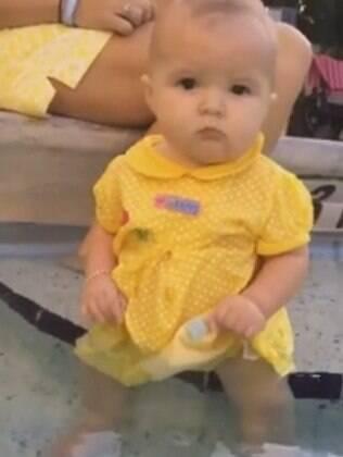 Josie tem seis meses