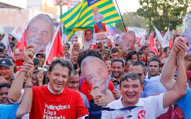 Fernando Haddad foi ao Piauí fazer campanha por Lula; candidatos podem fazer carreatas desde o último dia 16