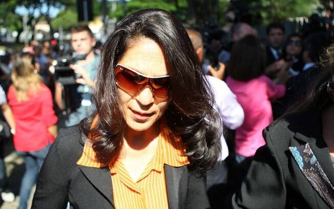 Mãe de Eliza Samudio Sonia Samudio chega para o julgamento no Fórum de Contagem (MG) nesta segunda-feira (4)
