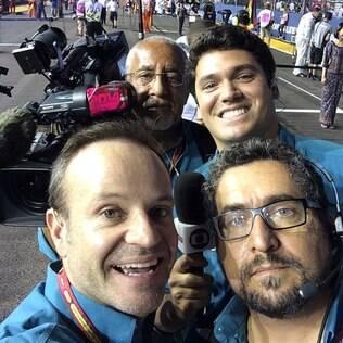 Rubens Barrichello com equipe da Globo no GP de Cingapura