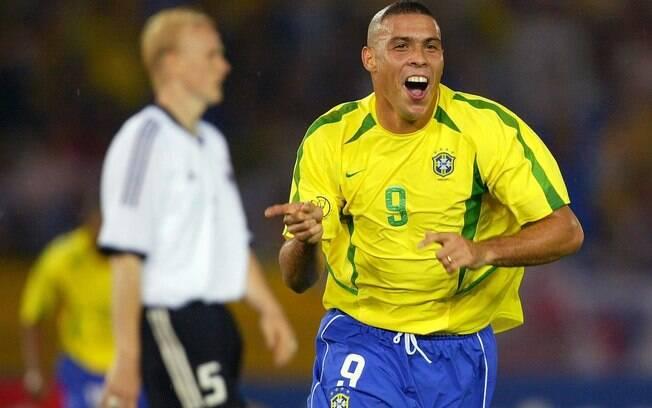 Após lesão no joelho que o afastou por quase  2 anos, Ronaldo foi protagonista do título da Copa  de 2002