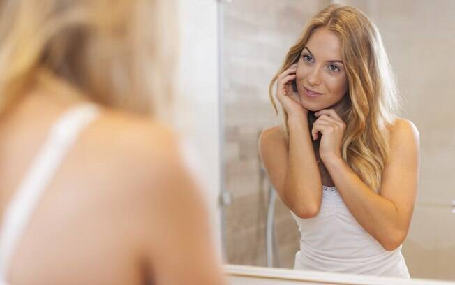 Chip da beleza tem benefícios secundários que agradam muito as mulheres, mas é preciso lembrar dos efeitos colaterais