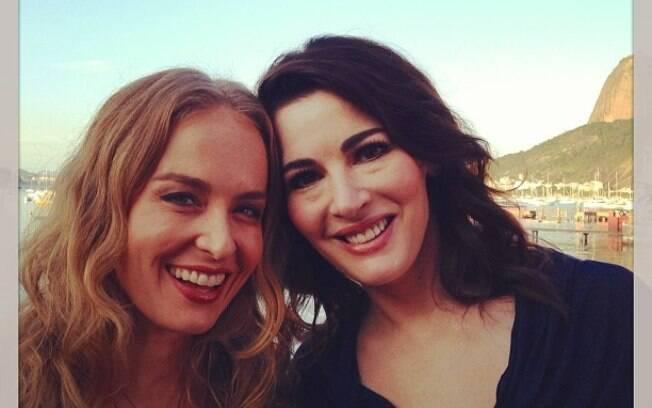 Angélica entrevista Nigella Lawson e publica foto no Instagram