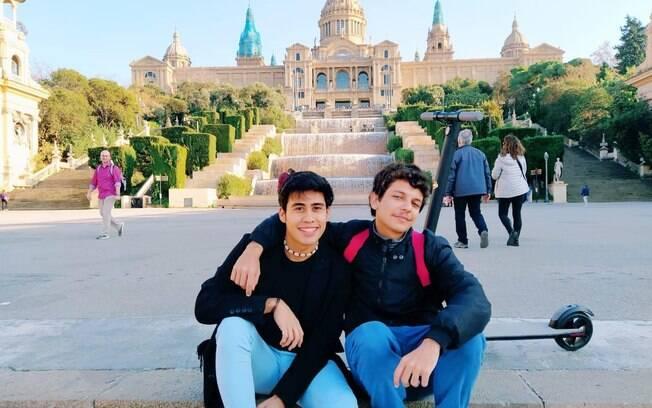 Gabriel (à direita) e o amigo mexicano Aldayr