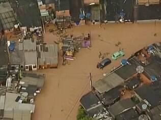Osasco está com alagamentos e sob estado de alerta devido a chuva forte na região
