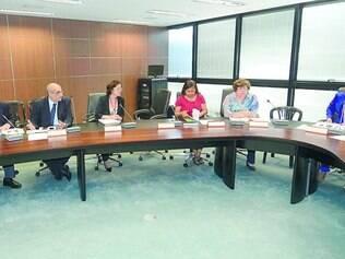 Transição, Nesta terça, a equipe do governador eleito Fernando Pimentel se encontrou com representantes da Secretaria da Educação
