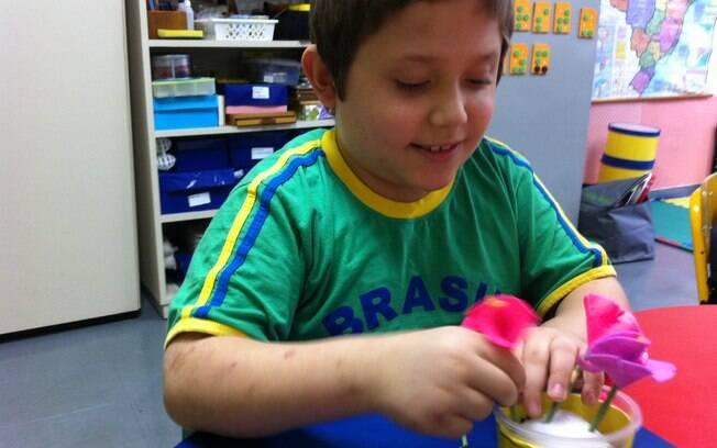 De acordo com a mãe do menino, Vancleidia Pereira de Almeida, ele ficou ainda mais comunicativo. Foto:  Christiane Rebucci
