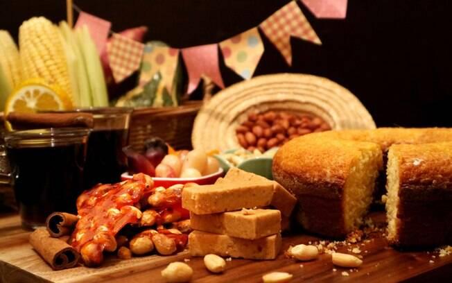 Os pratos típicos de festa junina costumam ter como base o arroz, milho e amendoim