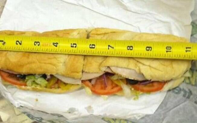 Australiano tira foto de sanduíche do Subway e prova que é menor que propaganda