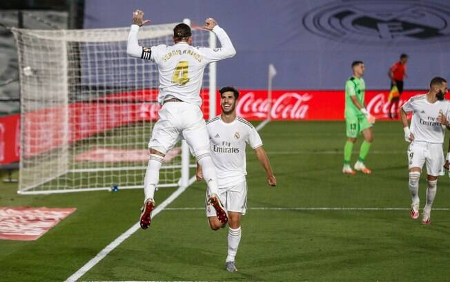 Sergio Ramos comemora gol do Real Madrid