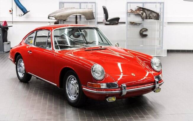 A Porsche é bastante rica em velocidade e desempenho. Com isso, deseja compartilhar sua história com o público