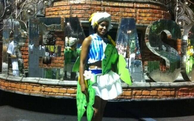 Fora das quadras, Fofão caiu no samba no  carnaval deste ano, no desfile da Renascer de  Jacarepaguá