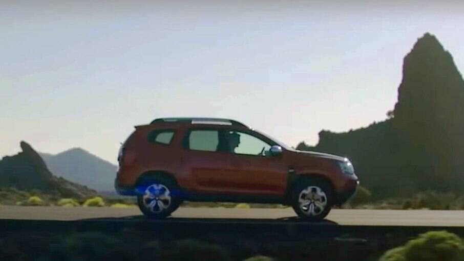 """Novo Dacia/ Renault Duster adotará novo conjunto óptico dianteiro em formato de """"Y"""" integrados com os LED DRLs"""