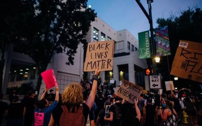 Protestos pedem o fim da violência policial.