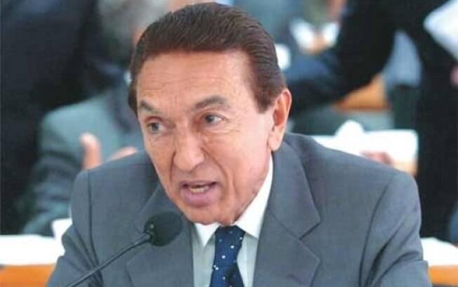 Senador pelo PMDB do Maranhão e ex-ministro das Minas e Energia de Dilma, Edison Lobão é investigado em inquérito que envolve a ex-governadora do Maranhão, Roseana Sarney (PMDB). Foto: CÉLIO AZEVEDO/AGÊNCIA SENADO - 15.5.2007