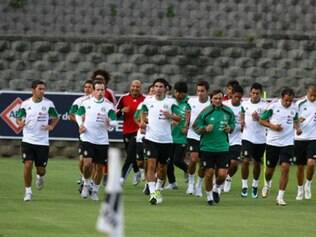 Seleção mexicana fará amistosos com três candidatos ao título mundial