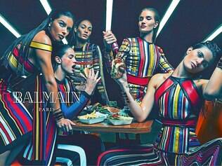 As brasileiras Adriana Lima e Isabeli Fontana estão na campanha 2015 Balmain