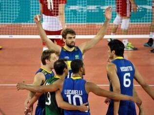 ESPORTES - VOLEI - Brasil enfim joga bem, vence a Polônia e ganha sobrevida na Liga Mundial Seleção brasileira masculina faz a sua melhor partida na competição para derrotar os poloneses em três sets, na Cracóvia, e continuar com chances de avançar à fase final  FOTO: FIVB / DIVULGACAO