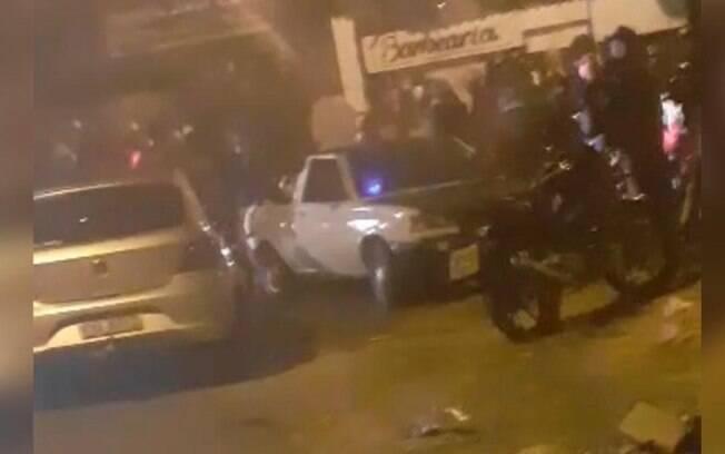 Festa clandestina divulgada na internet causa aglomeração em Sumaré