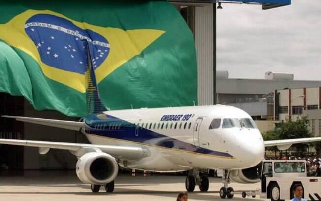 Embraer e Boeing anunciaram fusão, mas acordo ainda depende de aprovação do governo brasileiro