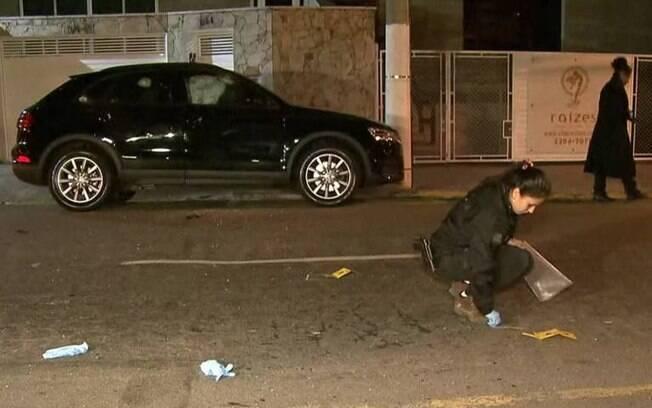 Homem ligado ao PCC é assassinado a tiros de fuzil em seu carro em São Paulo