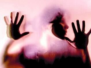 Casa. Adolescentes casadas também sofrem abuso de seus maridos
