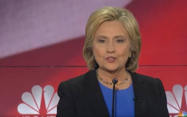 Hillary Clinton tem dificuldade em conseguir o voto das mulheres mais jovens