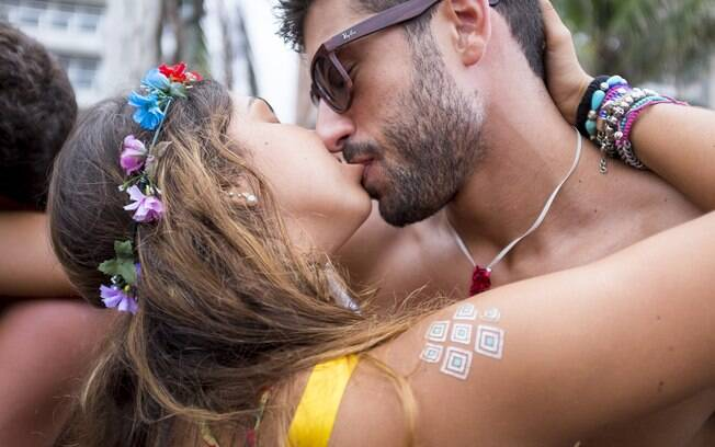 Quem disse que amor de carnaval não sobe a serra? Segundo psicóloga, é, sim, possível