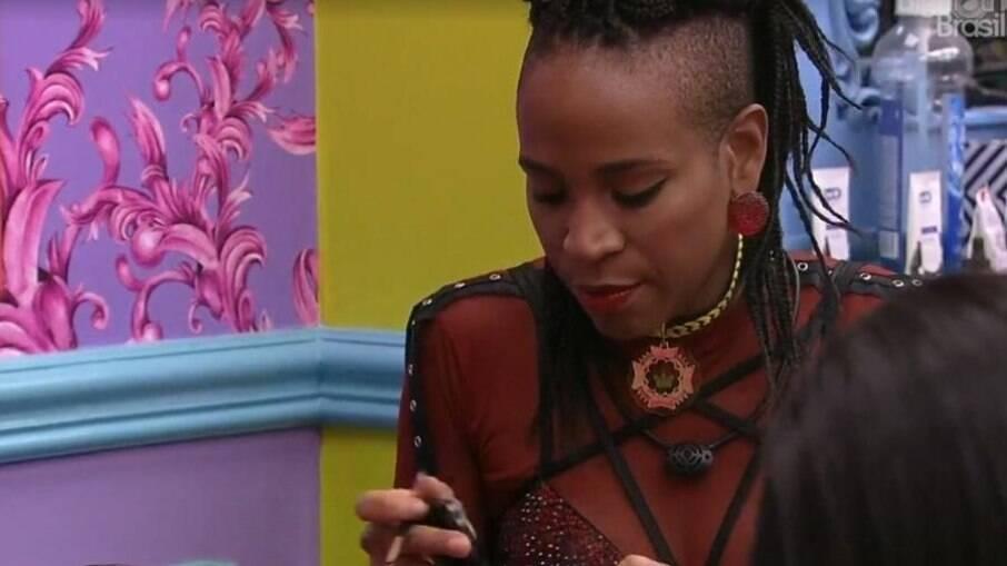 Karol fez revelações sobre sua vida sexual para Gilberto